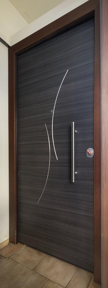 Ατσάλινη πόρτα ασφαλείας με σχέδιο