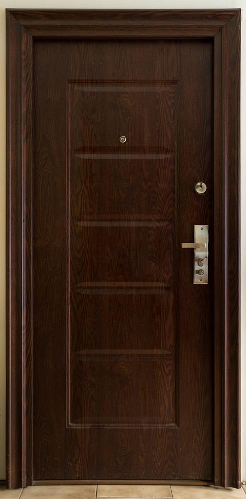 Πόρτα ασφαλείας θωρακισμένη καφέ